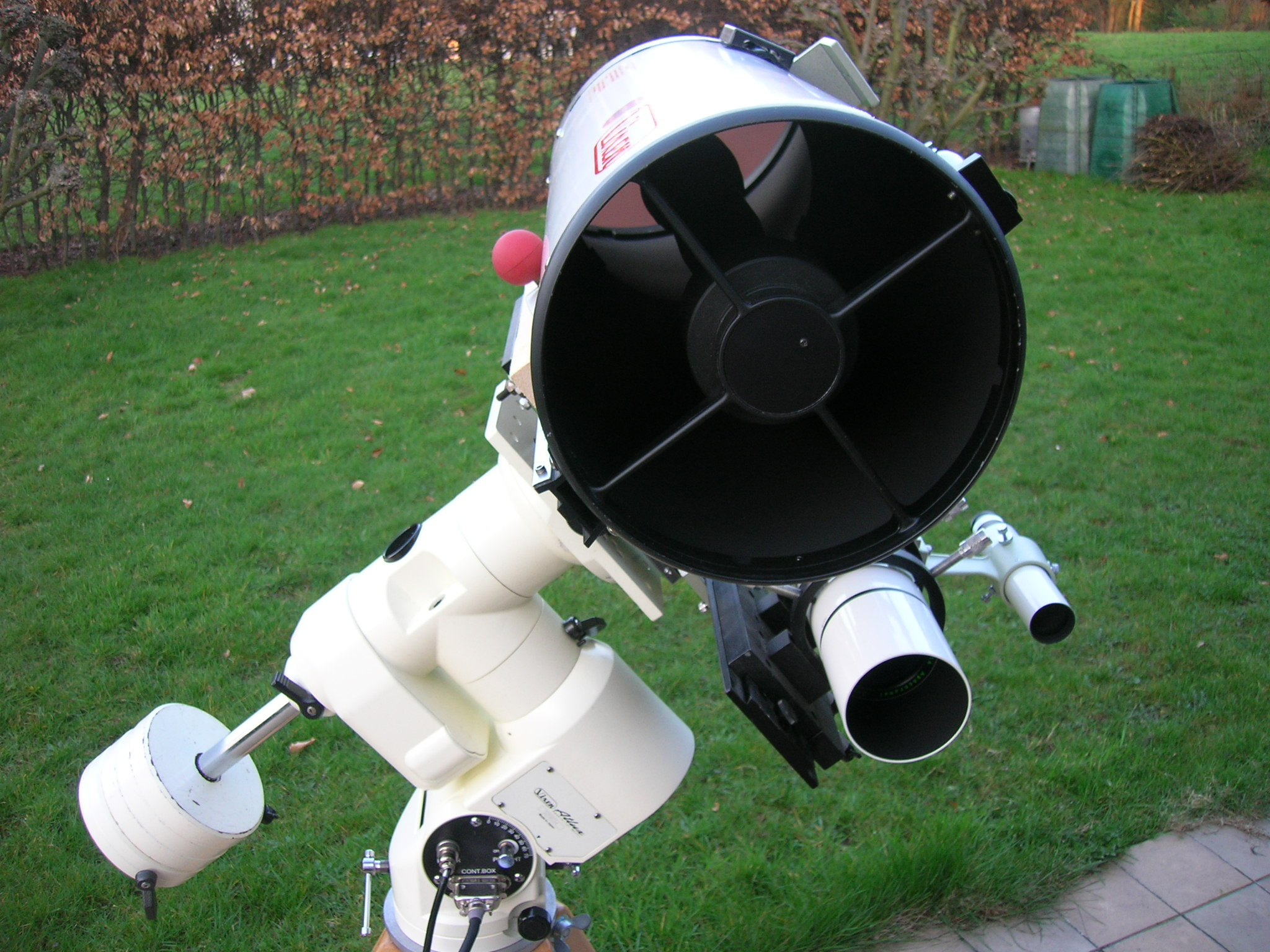 6d19b3f61a2de8 The three telescopes are used on a Astro-Physics Mach1 german equatorial  mount since December 2007. I previously owned a Vixen New Atlux mount with  ...